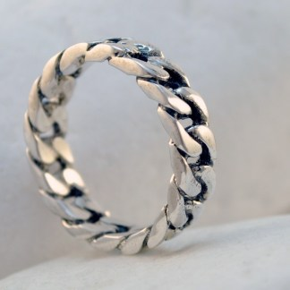 Silver Chain Ring by A.LeONDARAKIS