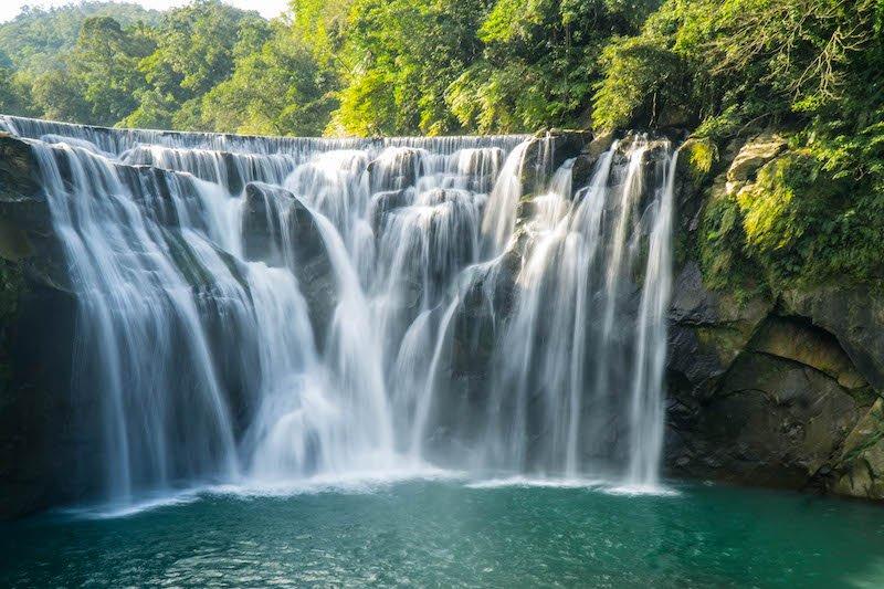 The gorgeous Shifen waterfall