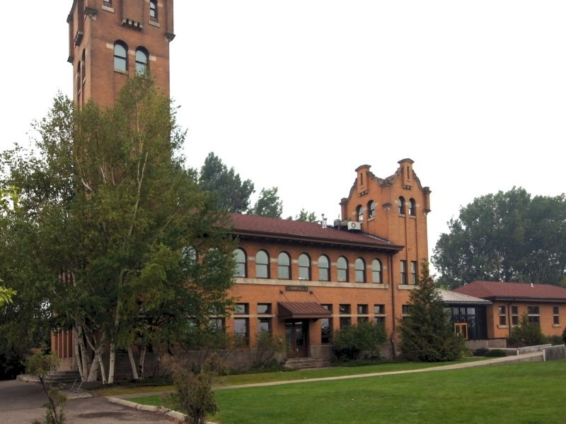 The architecture of downtown Missoula, what appears to be a college building