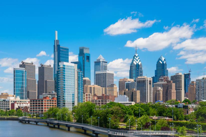 Skyline of Philadelphia with buildings on the water