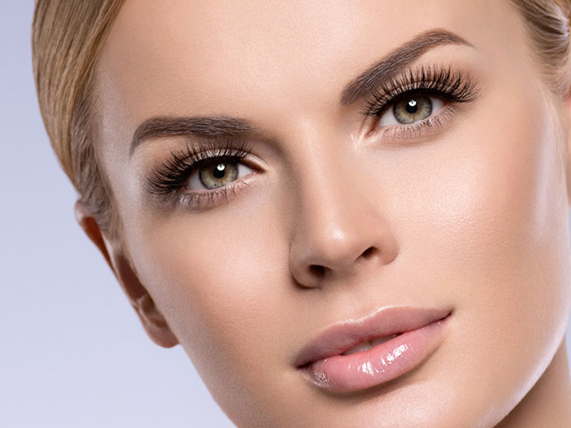 Hybrid Lashes Natural Look