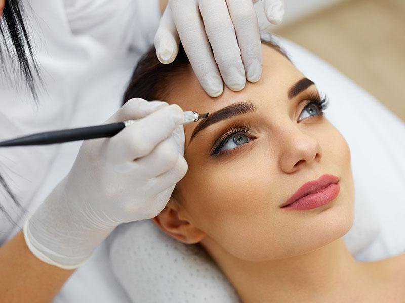 Permanent Makeup Eyebrow Application