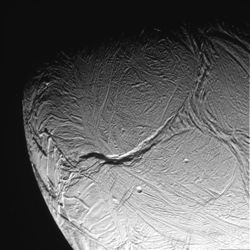 Uma listra de tigre de Enceladus fotografada pela sonda Cassini {4}