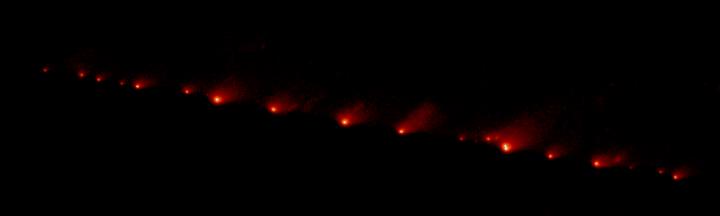 Fragmentos do cometa Shoemaker Levy 9 em 17-05-1994