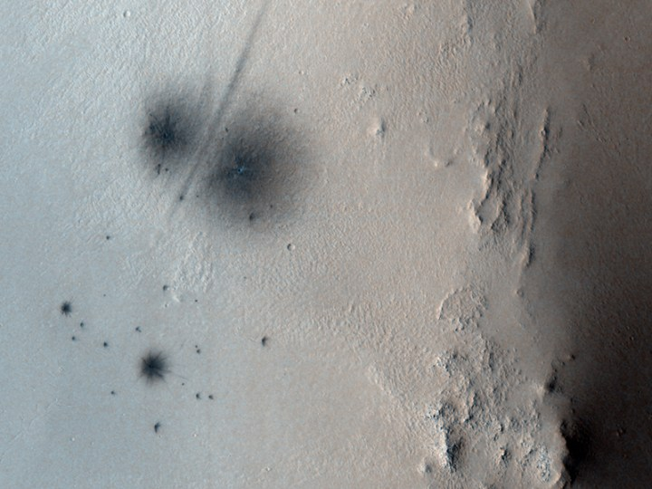 Imagem completa pelo HiRISE. Crédito: NASA/JPL/University of Arizona