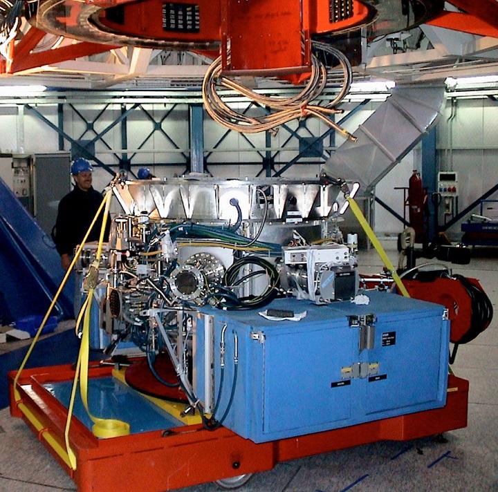 Dispositivo VISIR montado no telescópio de 8,2 metros  'Melipal'