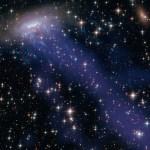ESO 137-001: galáxia espiral deixa gigantesco rastro ao se mover