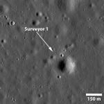 A sombra da Surveyor 1 na Lua capturada pelo Lunar Reconnaissance Orbiter
