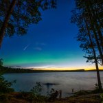 Meteoro das Perseidas, auroras verdes e nuvens noctilucentes sobre o norte da Suécia por Göran Strand