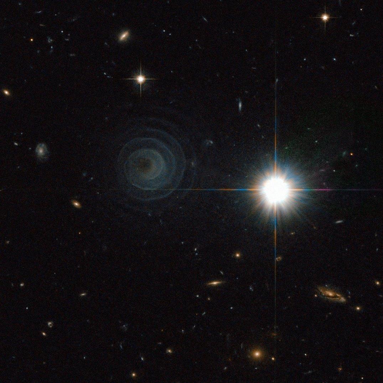 http://www.spacetelescope.org/images/potw1020a/