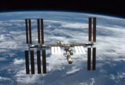 A Estação Espacial Internacional fotografada após a partida do ônibus espacial (STS-126)