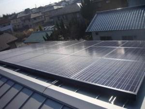 シャープ 金属屋根に太陽光発電