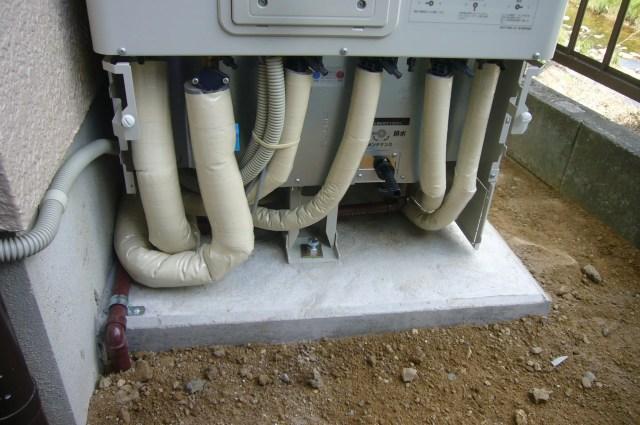 お湯が出ない 凍結 配管保護