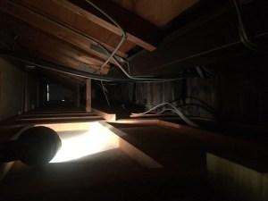 EVコンセントの工事 天井裏