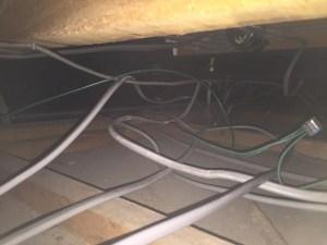天井裏隠蔽配線