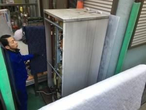 電気温水器の撤去作業