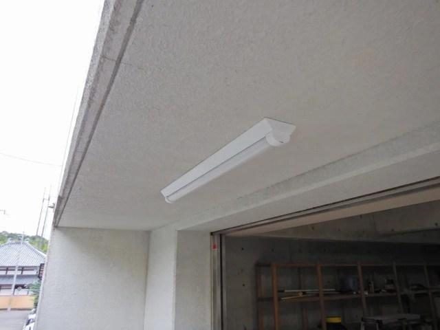 LED屋外灯に交換