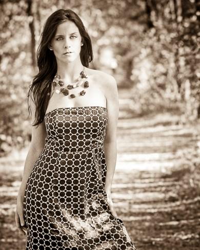 Nicole_curve_sepia_final-2