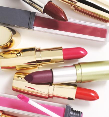 10 Cruelty-Free & Vegan Lipsticks (Beeswax and Carmine Free)