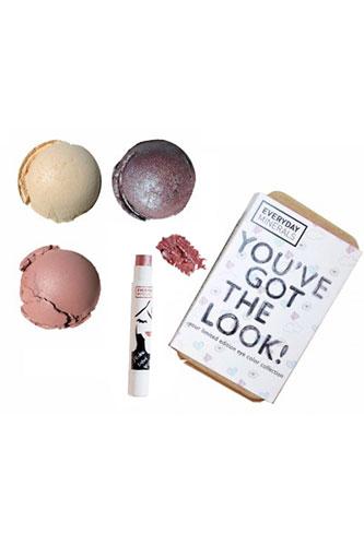 into_wonderland_makeup_look_kit_new
