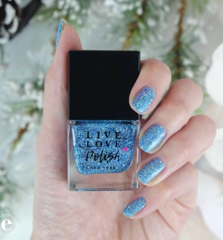 Getting into the Holiday Spirit with Live Love Polish – Aquatini #VeganManiMonday