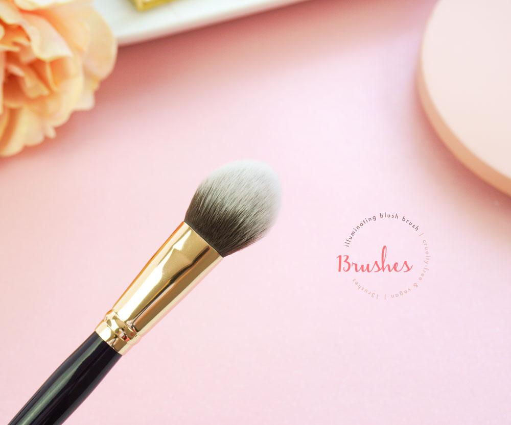 Illuminating Blush Brush - 13rushes Review