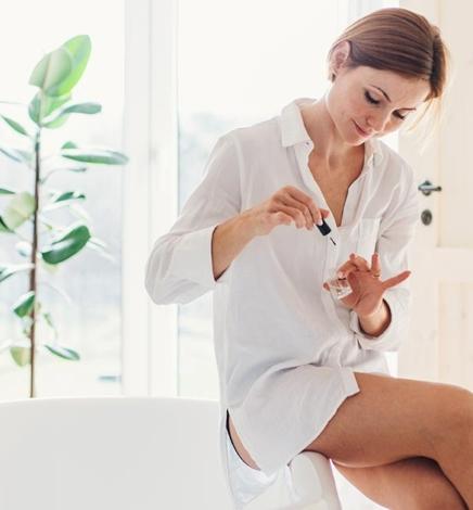 Zero Waste Manicure + Sustainable Nail Polish Options