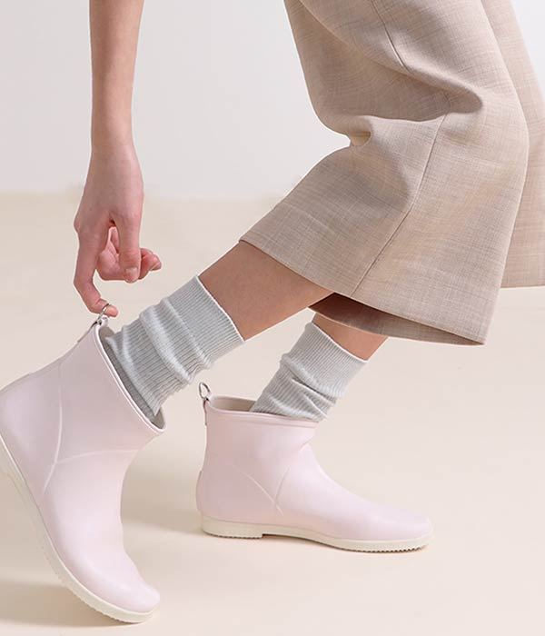 Minimalist Vegan Spring Rain Boots by Alice + Whittles