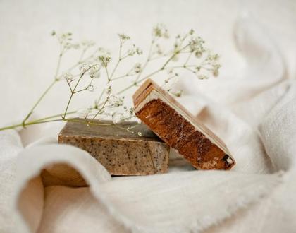 13 Vegan & Palm Oil Free Soap Bars for Body & Hands