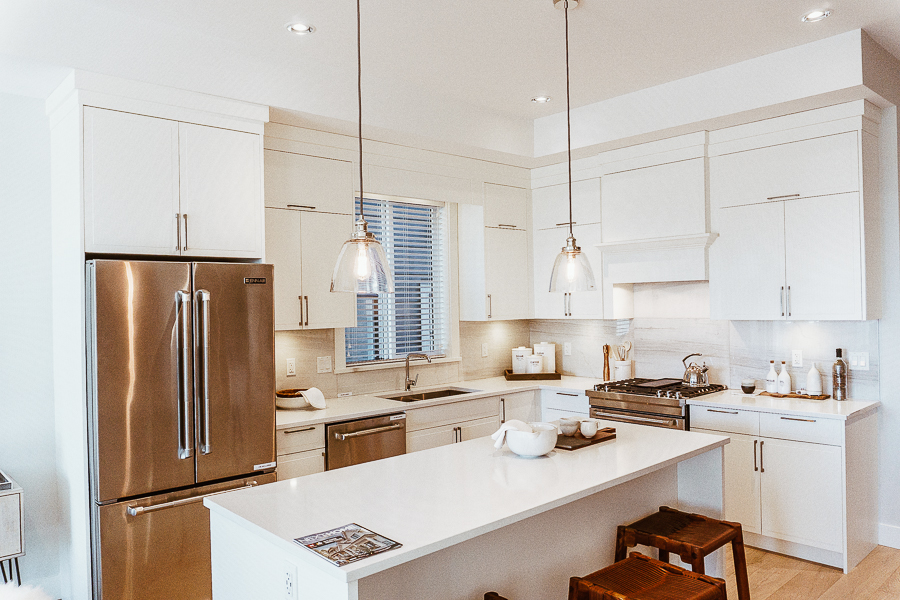 south-surrey-real-estate-white-kitchen