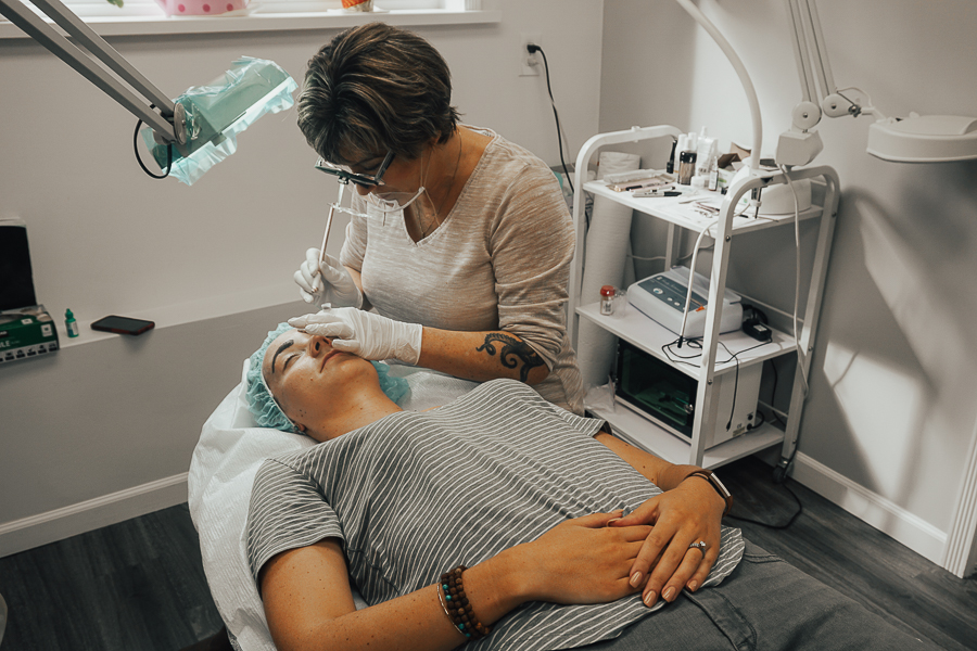 langley-bc-microbladed-eyebrows-avenue-42