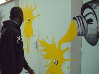 jpg/Notre_atelier_de_finition_de_peintures_LP_Benjamin_Franklin_La_Rochette.jpg