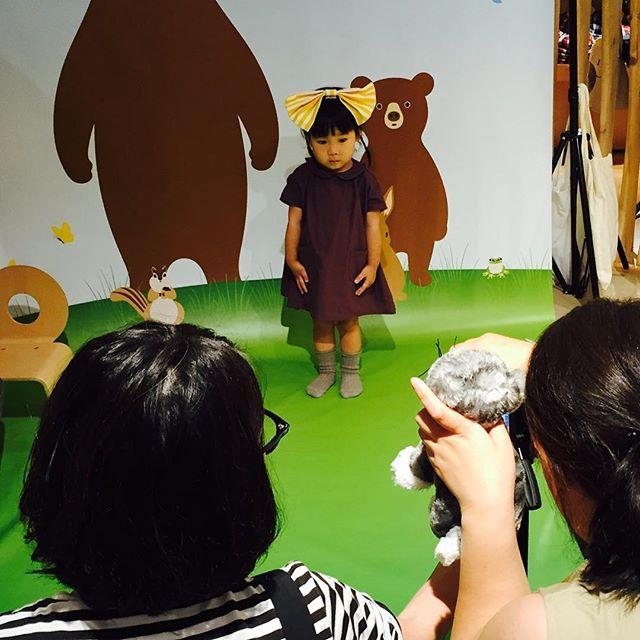 昨日から名古屋にきています!無印良品栄アネックス店にて、10時からこども写真撮影&プリント体験会を開催!無料で気軽に参加できるので、名古屋の方ぜひ〜〜!写真は昨日の名鉄百貨店での様子。とってもキュートでした〜♡#無印良品 #たのしいカメラ学校 #写真教室 #masacova!/school/event1_4
