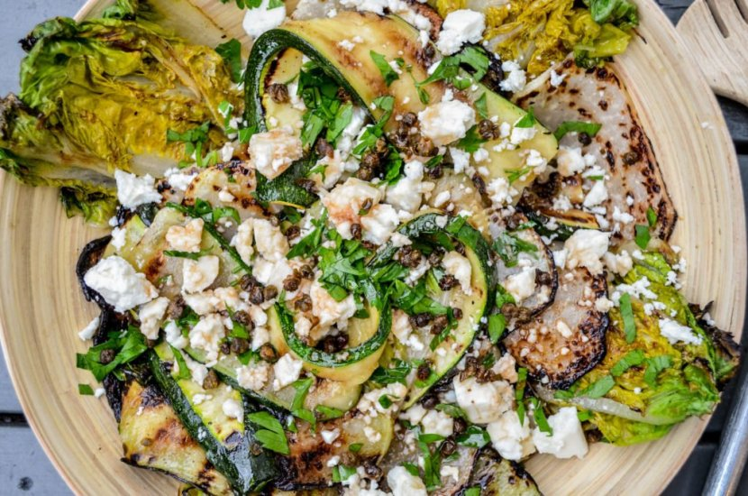 Griddled vegetable salad with gem lettuce, courgette, kohlrabi, feta cheese & pomegranate molasses - recipe - A kitchen in Istanbul