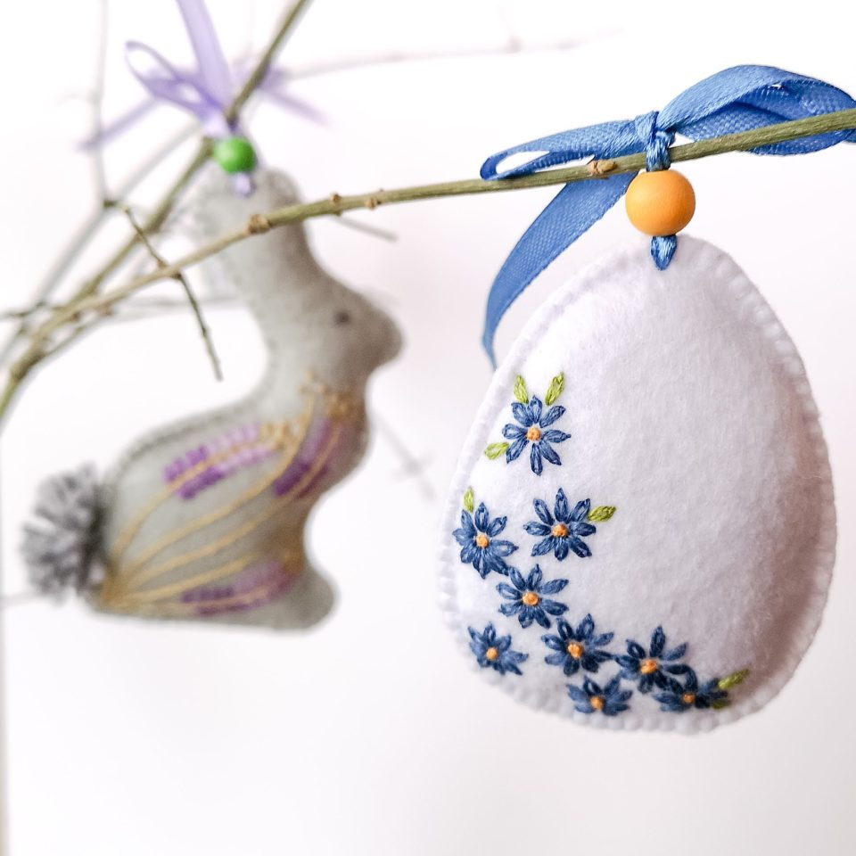 Easter decorations from felt - bunny and egg