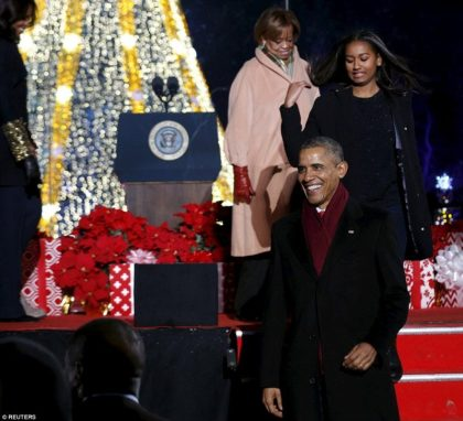 President Obama and First Lady Michelle Obama to light National Christmas Tree at President's Park