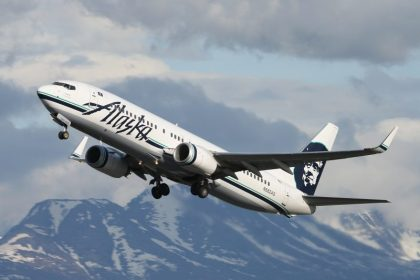 Alaska Airlines kicks off new year with new in-flight amenities