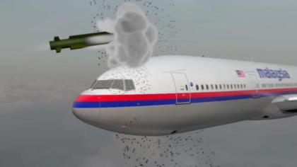 MH17: Dutch journalist recovers passenger's bone