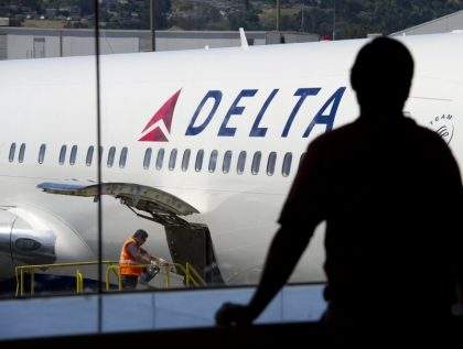 Delta Air Lines to hire 25,000 workers