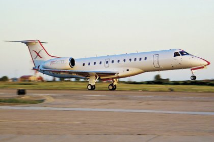JetSuiteX delays service to Santa Monica Airport