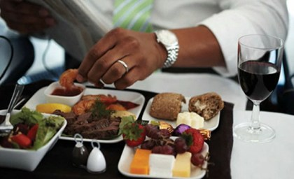 Delta Air Lines debuts free Main Cabin meals in 12 markets
