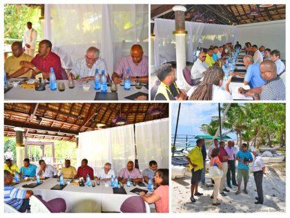 Vice President Meriton and Minister Loustau-Lalanne meet tourism business operators on Praslin
