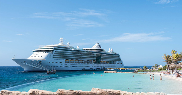 royal caribbean s newest and world s largest cruise ship headlines rh etn travel