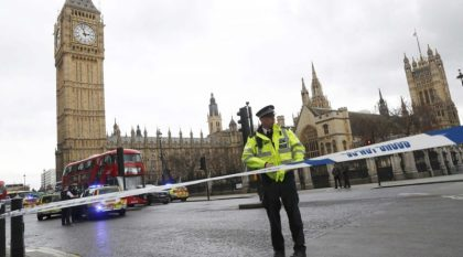 Act of terrorism: 4 dead, 2 men shot after charging British parliament gates, attacking police officers