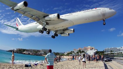 Tourist killed by jet blast on world-famous St Maarten beach