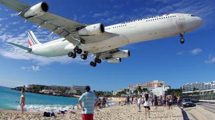 Tourist killed by jet blast on world-famous St Maarten beach