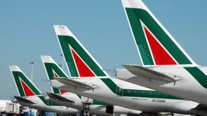 Ryanair, Etihad Airways, 8 others bidding for troubled Alitalia