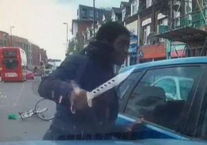 Zombie knife road rage: Bicycle thug attacks London car driver in broad daylight