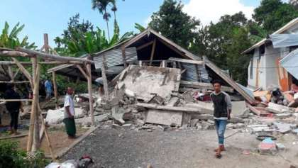 Powerful Lombok earthquake kills 19 people, prompts tsunami warning