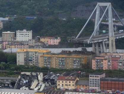 30 killed, dozens injured in Genoa car bridge collapse